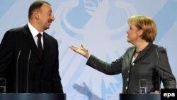 Angela Merkellə İlham Əliyevin 2010-cu ildə Berlindəki görüşü