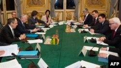 Miniștri de externe Sergei Lavrov, Jean-Marc Ayrault, Frank-Walter Steinmeier, Pavlo Klimkin la întîlnirea de la Paris