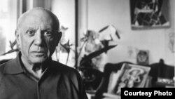 Пабло Пикасо во Кан во 1957 година.