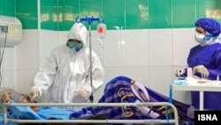 در روزهای اخیر بر تعداد افرادی که در «وضعیت شدید» بیماری کرونا تحت مراقبتهای ویژه قرار دارند افزوده شده است.