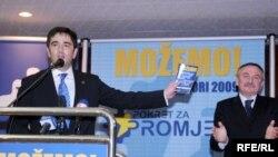 Lider Pokreta za promjene Nebojša Medojević na jednom od predizbornih skupova, Foto: Savo Prelević