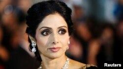 سری دیوی که اوج شهرتش در دهههای ۸۰ و ۹۰ میلادی بود اولین ابرستاره زن سینمای هند است.
