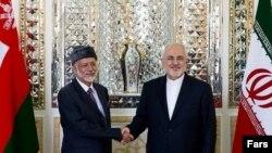 یوسف بن علوی پس از ورود به تهران همراه با محمد جواد ظریف.