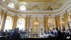 Пленарнае паседжаньне саміту лідэраў краінаў Цэнтральнай і Ўсходняй Эўропы ў Каралеўскім палацы
