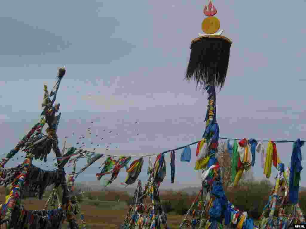 Буддизмнан тыш монголларның тагын бер богыңгы горефе - шаманизм - Дэйси Синделар фотолары