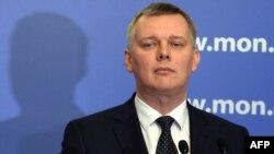 На снимке: министр обороны Польши Томаш Семоняк