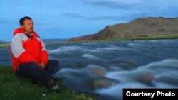 Блогер из Монголии Жанарбек Акыбиулы.