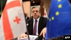 Готовность грузинского премьера выйти на новый уровень отношений с РФ встревожила и оппозицию, и гражданский сектор