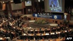 Махмуд Ахмадинежад уже держал ответ перед мировым сообществом в зале заседаний Совбеза ООН.