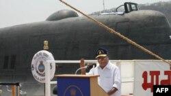 Индискиот министер за одбрана А.К. Ентони