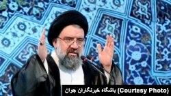آیت الله احمد خاتمی گفت: هزینه جنگ احتمالی آمریکا با ایران «هیولا» خواهد بود
