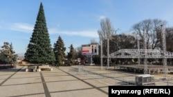 Ялинка в центрі Керчі