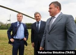 Медведев, Шойгу и Сердюков