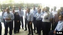 تجمع کارگران پتروشیمی خوزستان در اعتراض به وضعیت نامعلوم شغلی در بهار سال گذشته