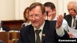 Александр Штатин Татарстан парламентында чыгыш ясый