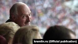 Аляксандар Лукашэнка на фінале чэмпіянату сьвету ў футболе на маскоўскім стадыёне «Лужнікі»