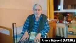 Ćamil, penzionisani profesor fizike, živi od penzije i tuđe nege, a mesečno za boravak u banji izdvaja 40.000 dinara