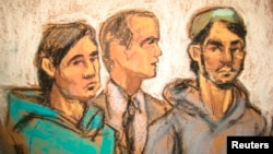Портрет из зала суда троих граждан Узбекистана Дильхаёта Касымова, Абдурасула Джурабаева (справа) и Аброра Хабибова, задержанных по подозрению в оказании поддержки ИГИЛ. 25 февраля 2015 года, Нью-Йорк.