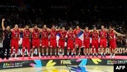 Srebrni košarkaši Srbije na postolju u Španiji