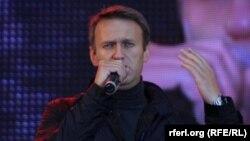 Алексей Навальный сайлаушылармен кездесіп тұр. Мәскеу, 6 қыркүйек 2013 жыл.