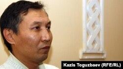 Екпин Шардаров, бывший учеником средней школы в 1986 году и принимавший участие в Декабрьских событиях. Алматы, 4 января 2012 года.