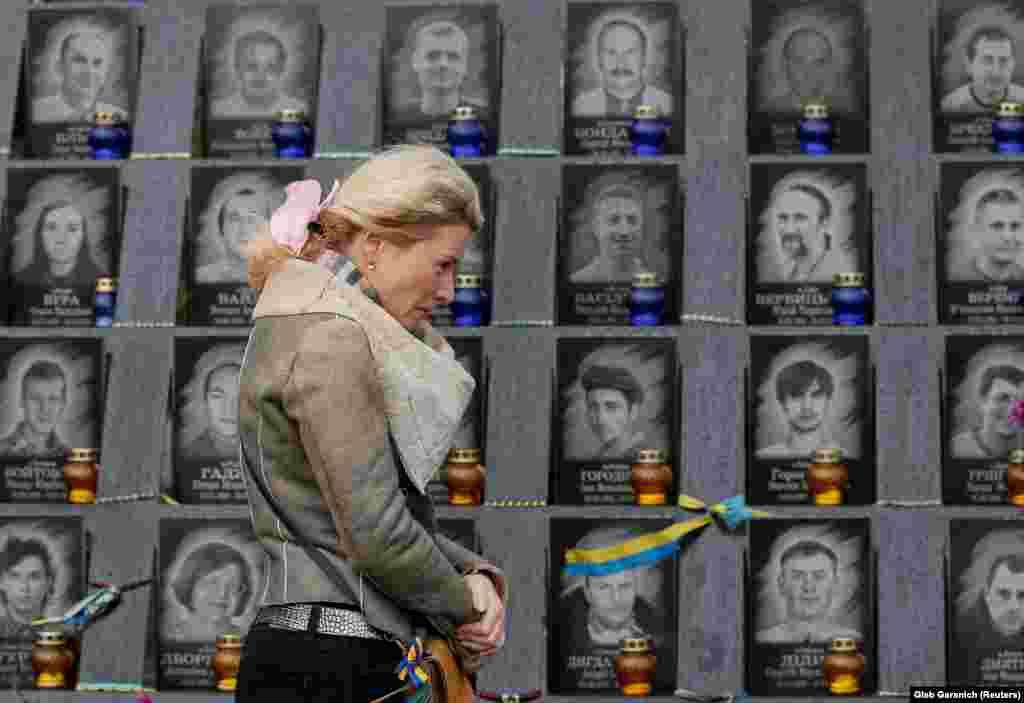 Мемориал героям Небесной сотни установлен в память людей, погибших от пуль снайперов во время событий на Майдане в 2014 году.