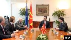 Средба на премиерот Никола Груевски со посредникот на ОН Метју Нимиц.
