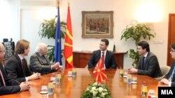 Gjatë takimit Nimic-Gruevski