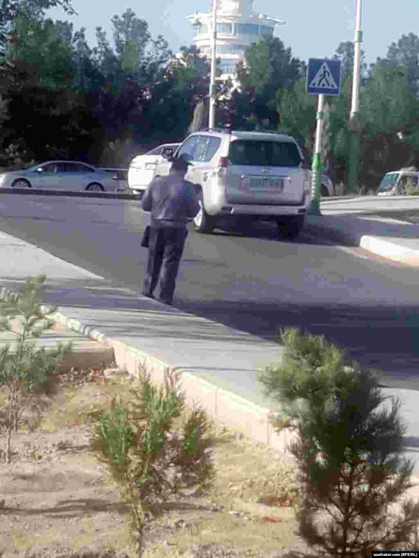 Дорожная полиция патрулирует улицы Ашхабада, сентябрь, 2020