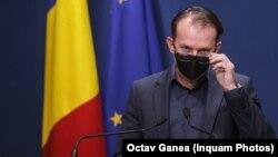 Premierul a decis ca banii din fondul de rezervă să nu ajungă la municipiile conduse de primari de la PSD și USR. Imagine cu premierul din mai 2021, București.