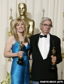 به همراه دایانا اوسانا در زمان دریافت جایزه اسکار در مارس ۲۰۰۶