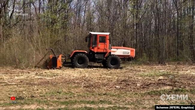 Влітку цього року «Харківобленерго» придбав на тендері за понад шість мільйонів гривень два трактори з подрібнювальною установкою