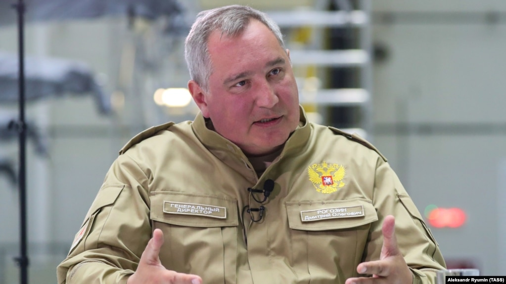 Roskosmos chief Dmitry Rogozin (file photo)