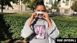 Pandemiya dövründə maska taxmaq eşitmə əngəllilərin çətinliyini artırır