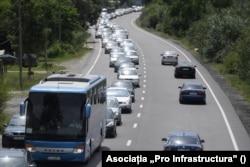 Pe drumurile cu două benzi se produc peste jumătate din accidentele mortale din România.