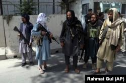 Озброєні таліби на вулицях Кабулу. 16 серпня 2021 року