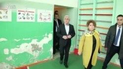 Serzh Sarqsyan seçki məntəqəsində müxbirlərin suallarına cavab verməyib