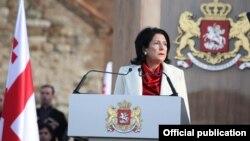 Грузияның жаңадан сайланған президенті Саломе Зурабишвили ант беру рәсімінде. Телави, 16 желтоқсан 2018 жыл.