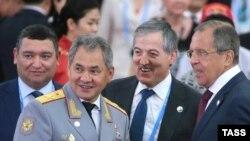 Ministrul rus al apărării Sergei Shoigu și șeful diplomației ruse Sergei Lavrov