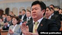 Шаршенбек Абдыкеримов жыйынга катышпаган депутаттар арасында.