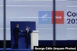 Foștii co-președinți ai formațiunii, Dan Barna și Dacian Cioloș și-au împărțit gestionarea evenimentelor de la Congresul de sâmbătă.