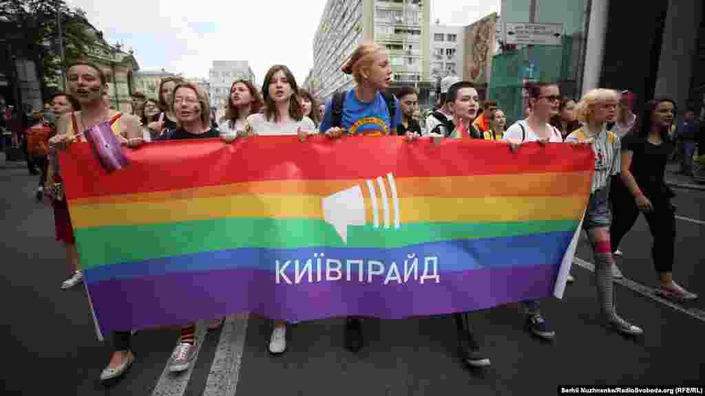 Конечная точка Марша - станция метро Льва Толстого.