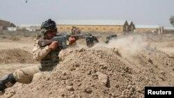 Իրաքցի զինծառայողները ուսումնավարժանքների ժամանակ, հունիս, 2015թ․