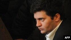 Экс-министр обороны Бачо Ахалая прокомментировал сегодняшний судебный вердикт на своей странице в Facebook, назвав его политически мотивированным, и пообещал, что скоро выйдет на свободу