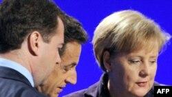 Дмитро Медведєв, Ніколя Саркозі та Анґела Меркель, Франція, 19 жовтня 2010 року