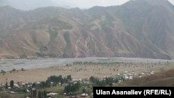 Населенный пункт в Кыргызстане недалеко от границы с Китаем. Иллюстративное фото.
