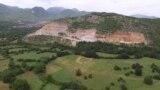 Архива - Ископ (каменолом) на минерални суровини од подножјето на планината Јабланица во близина на струшкото село Лабуништа. Околу 50 видови минерални суровини експлоатираат фирмите кои за тоа добиле концесии од државата, објави Центарот за граѓански комуникации.