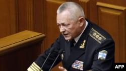 Виконувач обов'язків міністра оборони України Ігор Тенюх під час виступу у Верховній Раді України 11 березня 2014 року