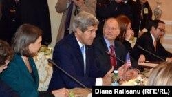Керрі під час кількагодинного візиту у Молдову