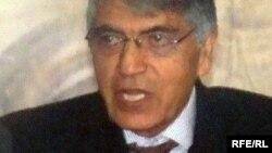 افغانستان کې د اساسي قانون د تطبیق او څارنې د خپلواک کمېسیون مشر حقوقپوه محمدقاسم هاشمزی
